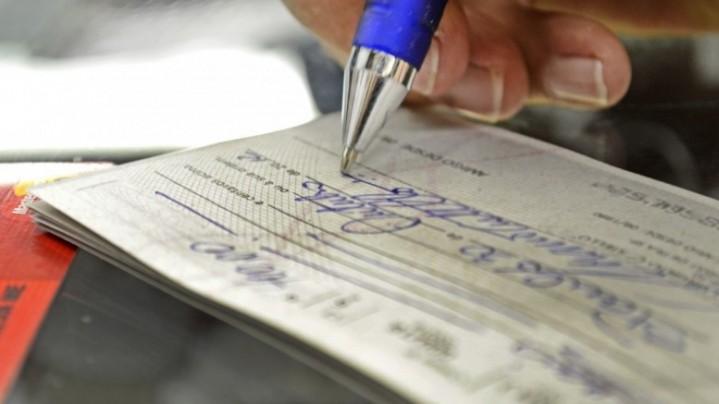 cheque-pre-datado-apresentado-antes-da-data-convencionada-pode-gerar-dano-moral-e1445516560623